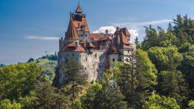 В замке Дракулы открыт центр вакцинации от COVID-19