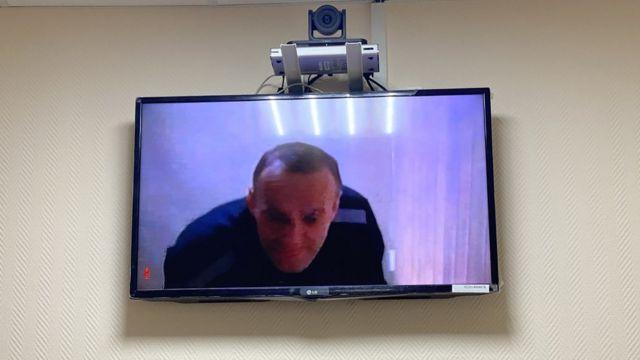 Навального оставили в статусе склонного к побегу лицом