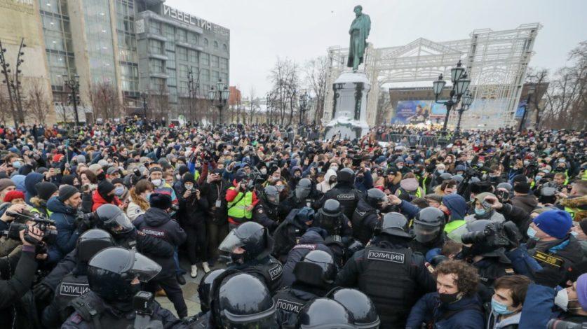 Россияне готовы к протестам но не ждут их