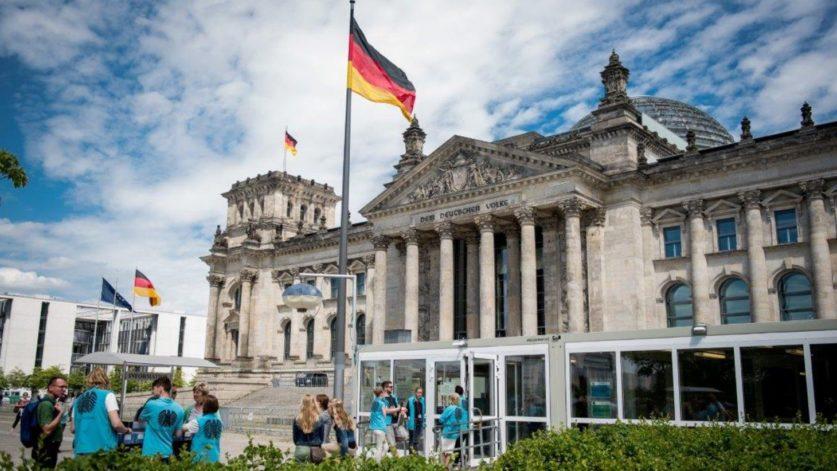 Германия обвиняет Россию в хакерских атаках накануне выборов