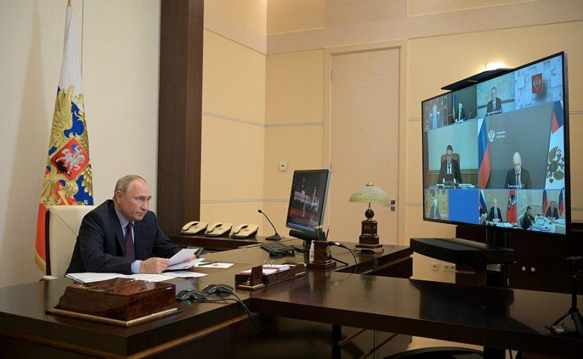 Владимир Путин пообещал повысить пенсии