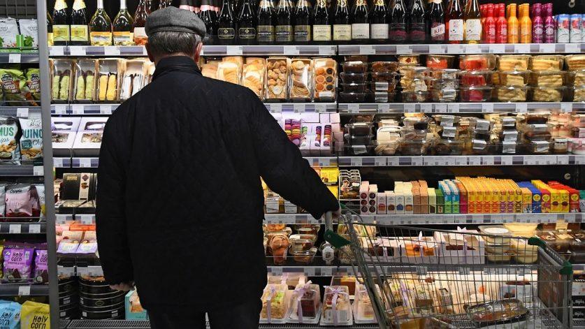 Граждане России снизили потребительскую активность
