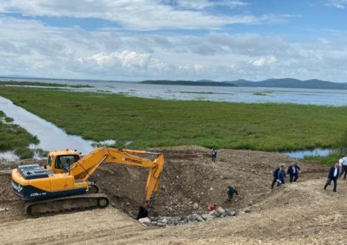 Новый подрядчик развернул работы по строительству Мылкинской дамбы в Комсомольске на Амуре